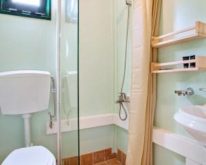 Armenistis Standard Mobile Home bathroom