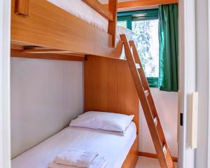Armenistis Standard Mobile Home beds