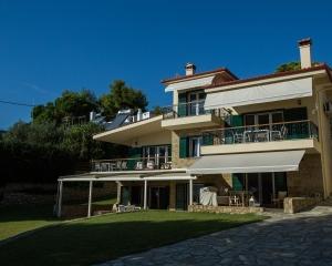 Moriel Seaside Homes Suites - exterior