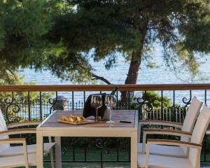 Moriel Seaside Homes Suites - balcony