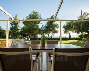 Moriel Seaside Homes Suites - exterior terrace