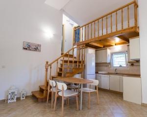 Moriel Seaside Homes Suites - interior