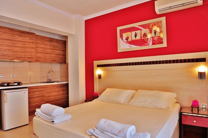 Sunday Resort Gerakini - room