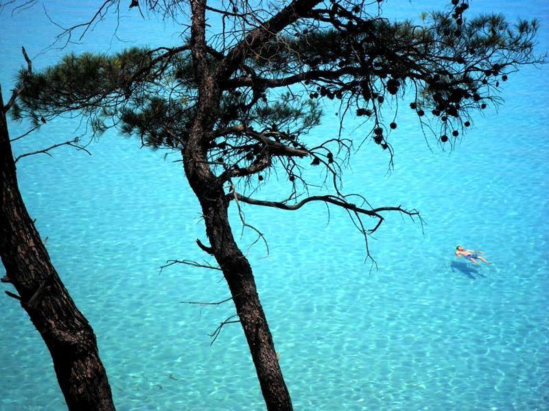 Orange beach Kavourotripes