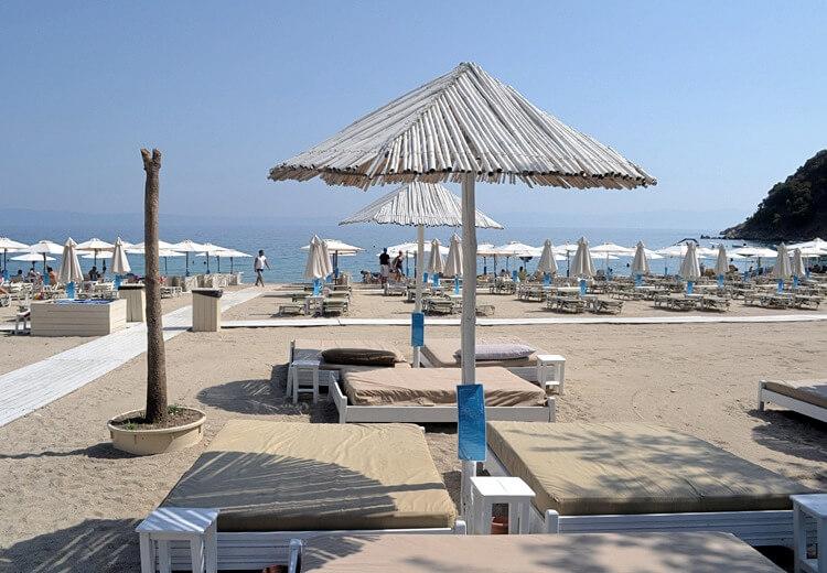 sithonia-manassu-beach-bar
