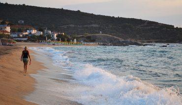 sithnia sarti morning beach walk