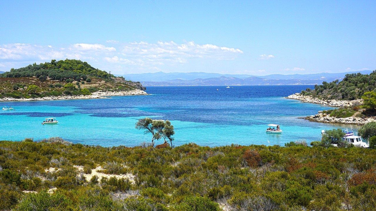 visit sithonia blue sea Destenika beach